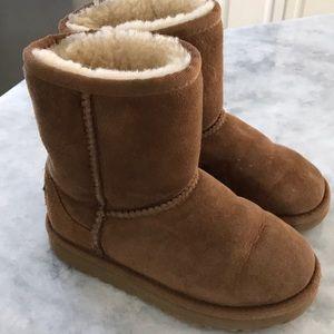 UGG Classic Kids Boots Chestnut US Size 11  EUC
